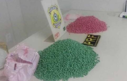 Os comprimidos foramencontrados no porta-malas de um Celta. Foto: divulgação.