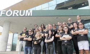 Servidores em frente ao Fórum de Araranguá. Foto: Correio do Sul