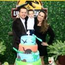 O empresário Everton José da Silva e a esposa Dra. Francini Souza receberam amigos e familiares no Espaço Jubilula em Araranguá no domingo para comemorar os 4 aninhos do filho Luiz Gustavo. Festa linda!! Parabéns a essa família linda!