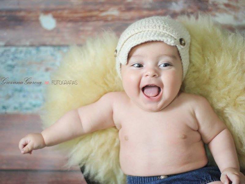 Na foto, o Emanuel, filho do casal Ernesto Neto e Bruna Pereira, inspirando alegria e muita fofura nesta sexta-feira! Impossível, não?  Foto: Giovana Garcia.