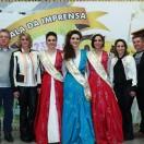 Os anfitriões do evento, prefeito e vice com as esposas, a rainha e as princesas da festa.