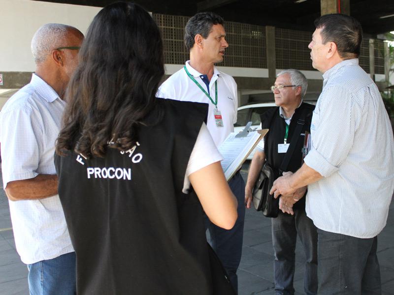 Procon-de-Criciúma-fiscaliza-estacionamentos---Foto-de-Jhulian-Pereira-(1)