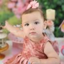 Essa bonequinha é a Melinda, filha do casal Renato Alexandrino e Monize Oliveira. Com uma festa de princesa, ela comemorou seu 1º aninho no último fim de semana. FOTO: Giovana Garcia